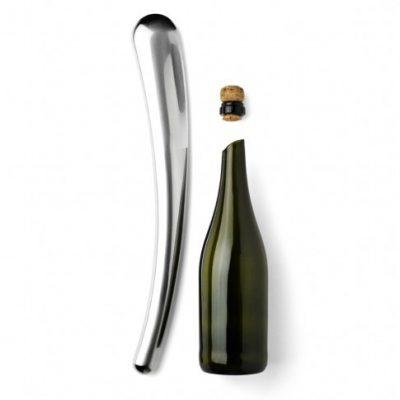 champagne-sabre-main
